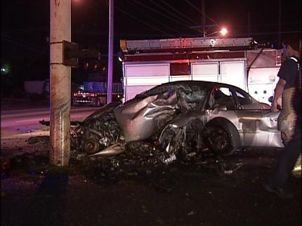 Crash Injures Tulsa Man