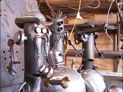 Tulsan Turns Trash Into Robots