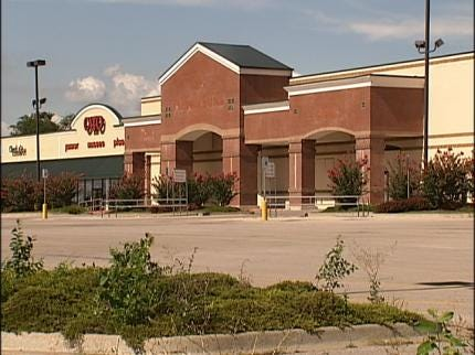 Grocery Store Looking At North Tulsa Location