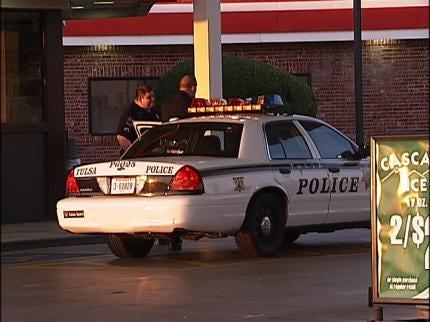 Tulsa Woman Robbed At Gunpoint, Robber Ties Up Store Clerk