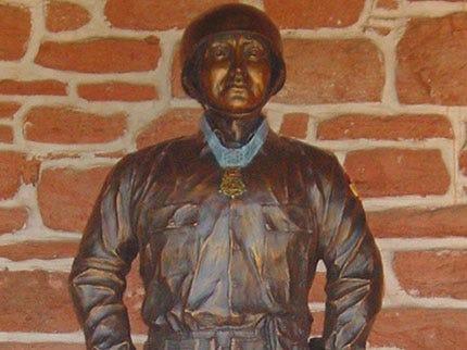 Broken Arrow War Hero Honored With Statue