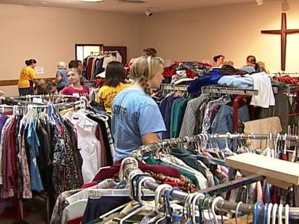 Hundreds Line Up For Free Items At Broken Arrow Event