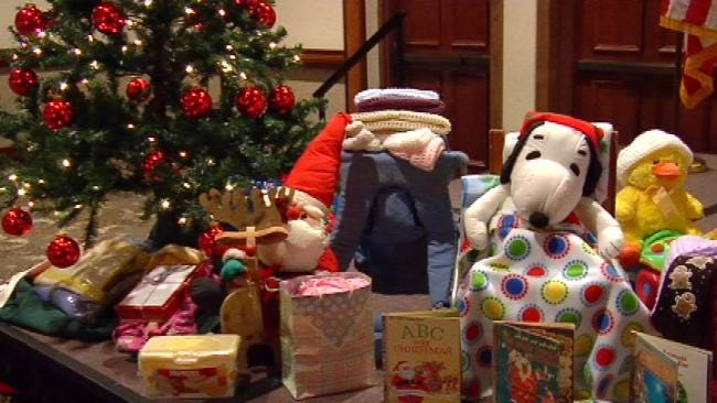 Volunteers Donate Clothing, Blankets To Needy Tulsa Families