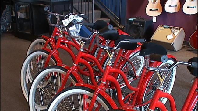 Broken Arrow Band Donates Bicycles To Toys For Tots