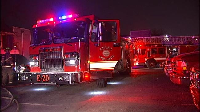 A Fire Forces Residents Of A Tulsa Apartment Complex Into The Cold