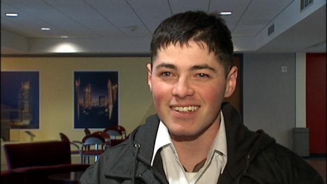 Oklahoma Marine Returns Home For Christmas
