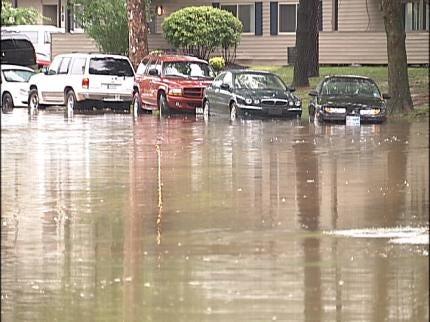 Heavy Rains Flood Tulsa Streets, Duplexes