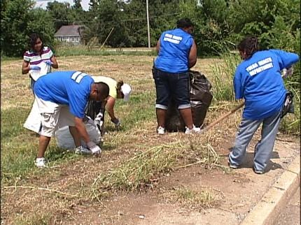 Tulsa Health Department Leads Neighborhood Clean-Up Project