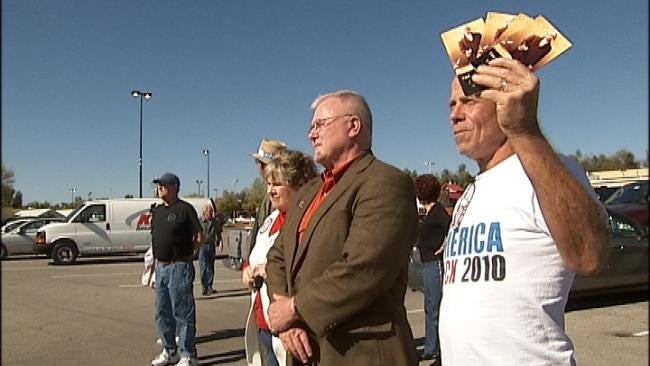 Tulsa Voters Flock To Political Rallies Days Before Election