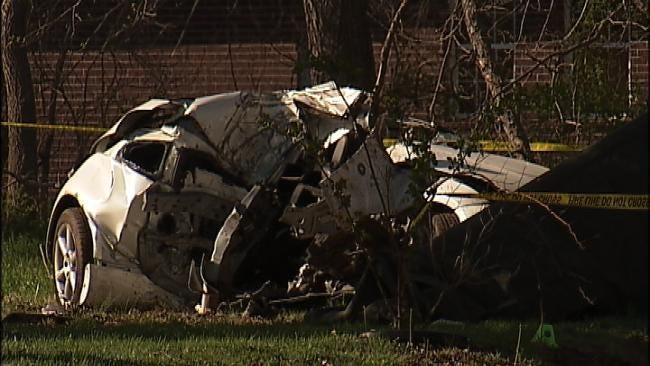 Teenager Killed In West Tulsa Crash