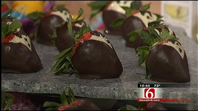 Cheesecake-Filled Chocolate-Covered Strawberries