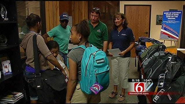 American Airlines Donates $69k In School Supplies To Tulsa Students