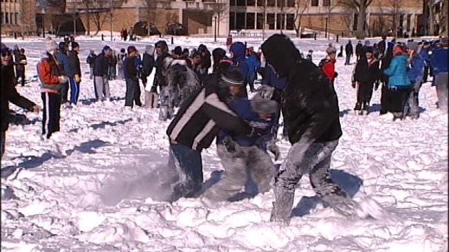 Tulsa College Students Take Part In Community Snowball Fight