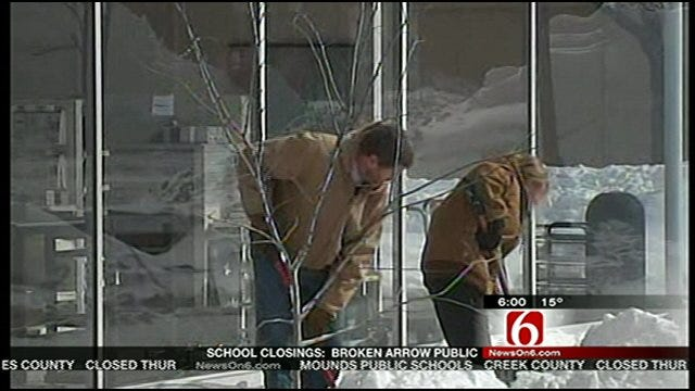 Bartlesville Digging Out From More Than A Foot Of Snow