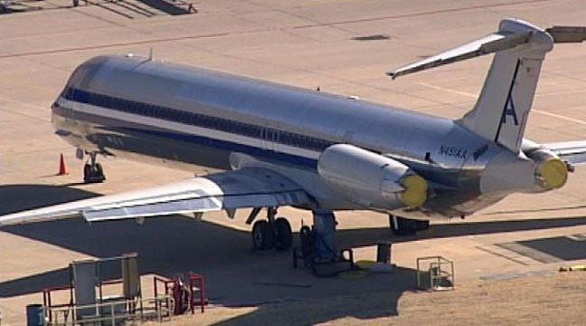 American MD-80 To Land At Jones Riverside Airport En Route To TTC