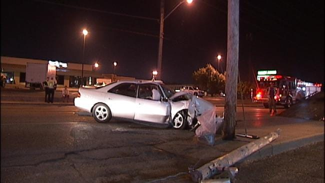 Tulsa Police: Two Unrelated Crashes Into Utility Poles