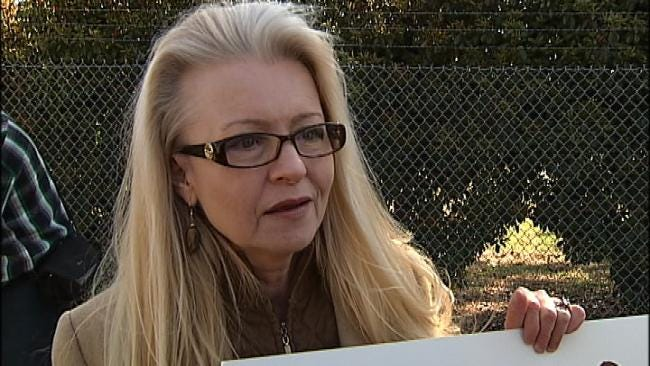 Tulsa Protesters Don't Want 'Fallincare' To Replace 'Obamacare'
