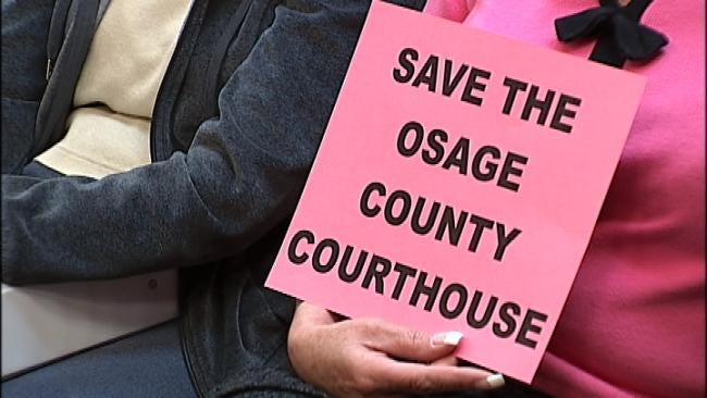 Residents Battle To Save Osage County Courthouse From Bulldozer