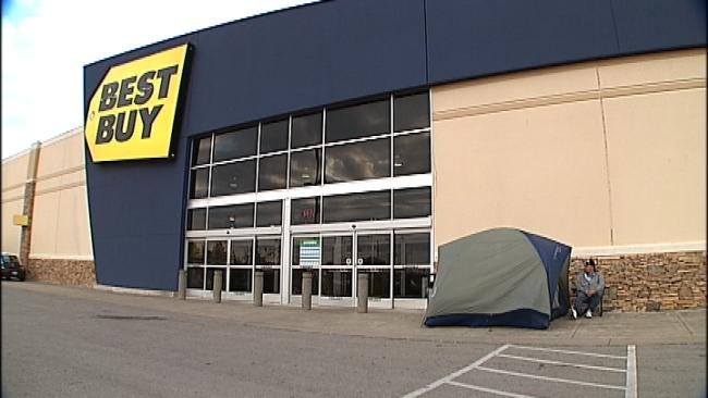 Tulsa Man Camps Out For Black Friday Deals
