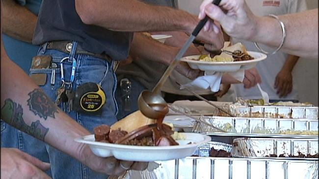 Tulsa Neighborhood Treats Construction Workers To Surprise Lunch