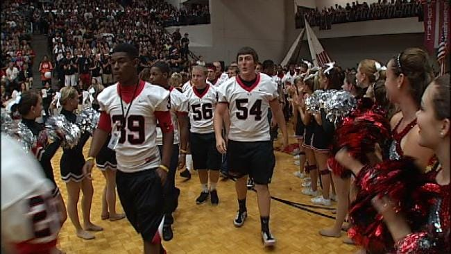 Union High Students Gear Up For Big Rivalry Game With Pep Rally