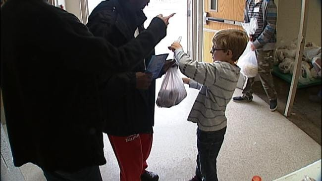 Tulsa Mission Provides Holiday Meals For Needy Families