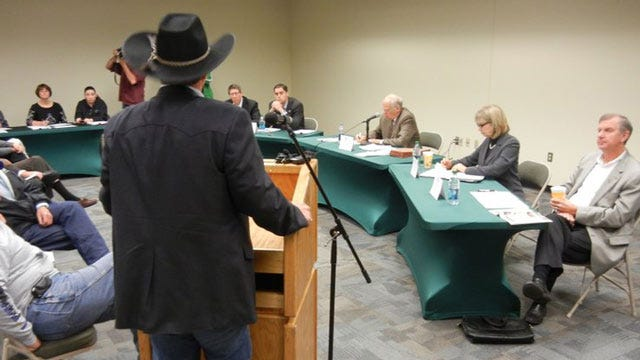At Crowded Meeting, Fair Board Votes To End Live Horse Racing At Expo Square