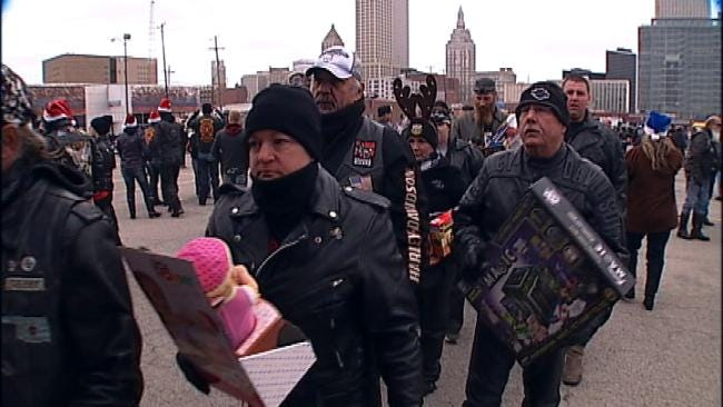 Tulsa Bikers, Marines Gather Toys For Tots