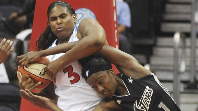 Former OU Standout Courtney Paris Signs With Tulsa Shock