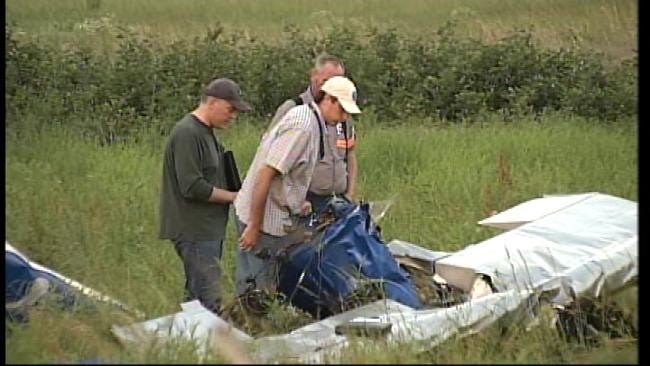 Checotah Pilot Killed When Small Plane Nose-Dives Into Field