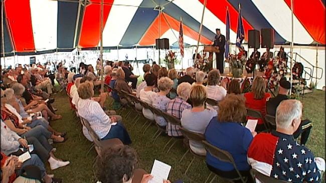 Crowd Marks Holiday At Memorial Park Cemetery In Tulsa