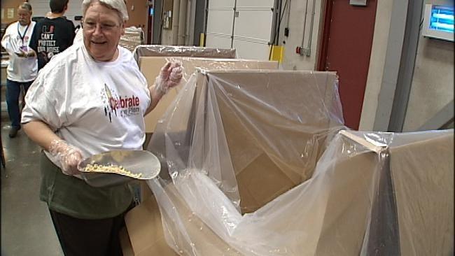 Volunteers Lend Hand At Community Food Bank of Eastern Oklahoma