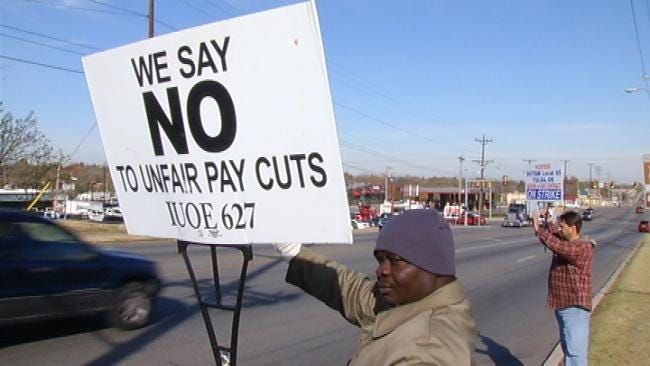 Hostess Workers Continue Strike Despite Threats Of Closure