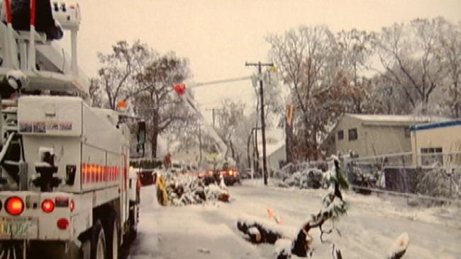PSO Workers Home For Holidays After Helping With Superstorm Sandy Damage