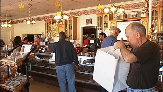 Tulsa Bakeries Bustle On Day Before Thanksgiving