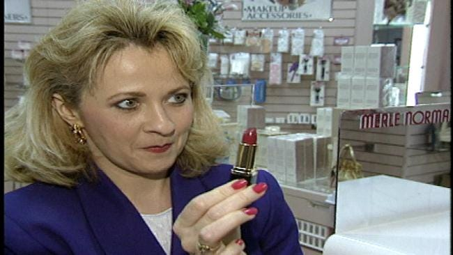What The Shape Of Your Lipstick Says About You