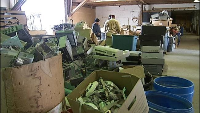 Tulsa Company Holds Drive To Recycle Old Electronics
