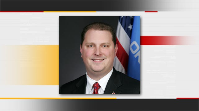 Oklahoma Lawmaker Hopes To Crack Down On Free Cell Phone Fraud