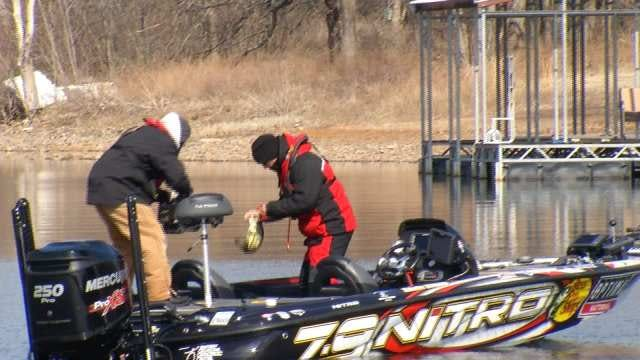WATCH: Oklahoman Edwin Evers's First Day Of Fishing In Bassmaster Classic
