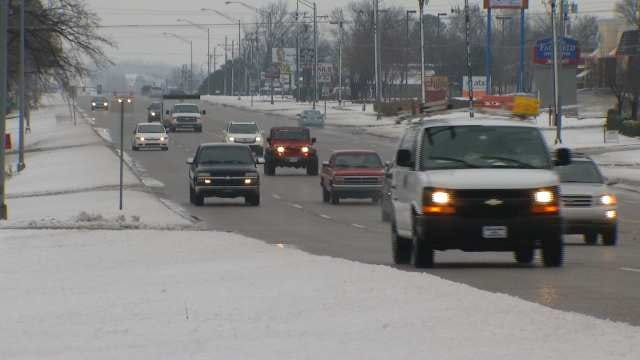 WATCH: Snowfall In Bartlesville Just Enough To Call For A Snow Day