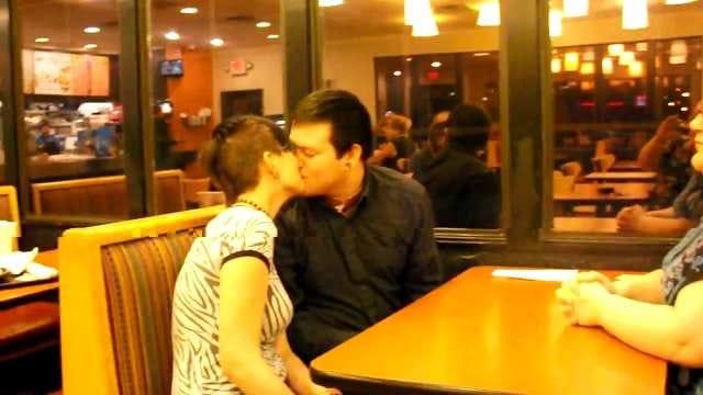 Eufaula Couple Exchange Vows At Taco Bueno