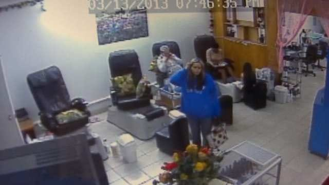 Woman Caught On Video Stealing From Tulsa Nail Salon