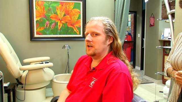 News On 6 Photojournalist Donates Hair To Locks Of Love