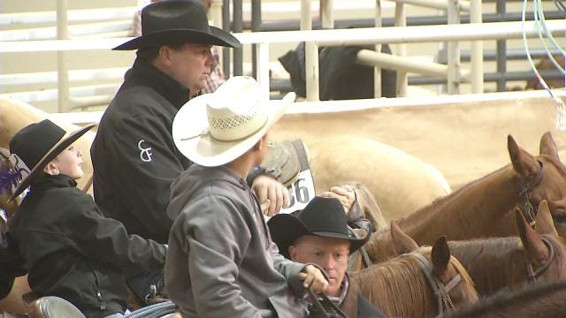 Competitors Flock To Tulsa Holiday Quarter Horse Show