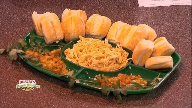 Shredded Chicken Slider With Mango/Pineapple Sauce