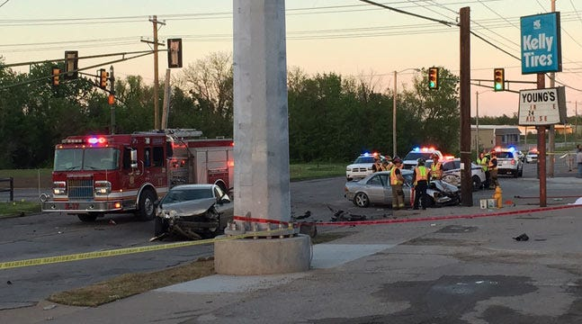 Man Causes Fatal Tulsa Wreck, Offers Store Clerk Cash, Police Say