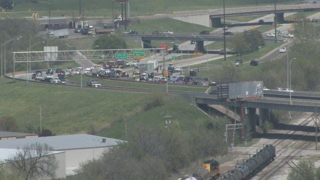 Lanes Reopen After Oil Spill, Wrecks Close Northbound Highway 75 Near Peoria