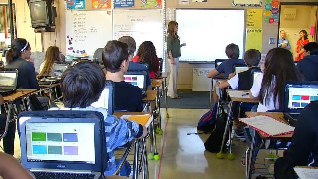 Broken Arrow Students Test New Technology On First Day