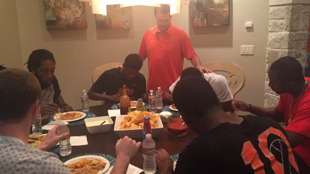 OSU MBB: Ford Creates Cowboy Chef Night To Enhance Team Chemistry