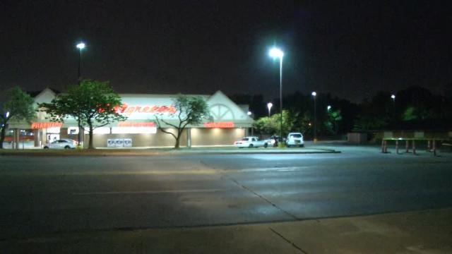 Man With Shotgun Robs Tulsa Walgreens